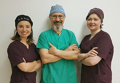 Dr. Harun und Team